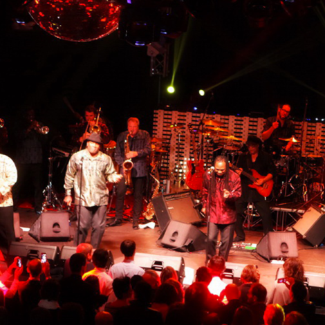 EARTH WIND & FIRE EXPERIENCE 13.11.15